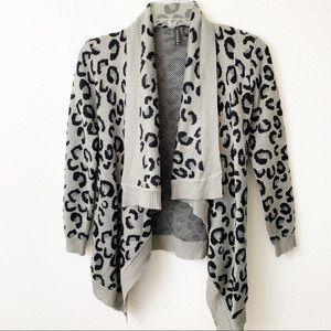 Full Tilt Womens Gray Leopard Print Sweater